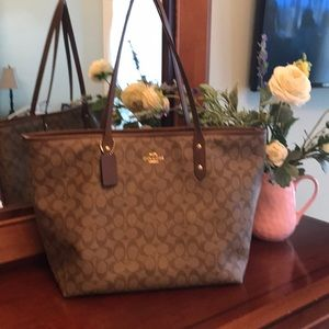 Coach Tote | Excellent Condition